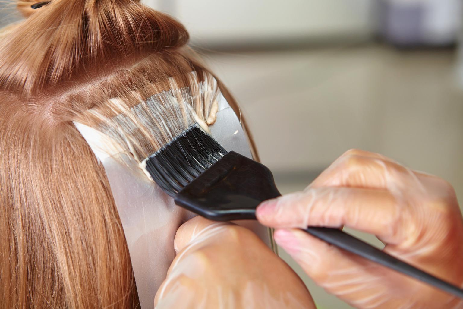 Как покрасить пряди волос фото пошагово